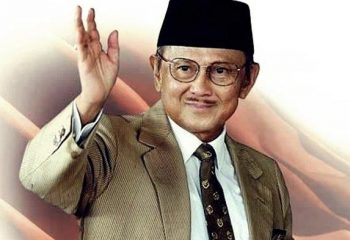 bj-habibie-presiden-ke-3-republik-indonesia